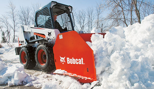 Bobcat-Skid-Steer-Loader-S630-Snow-Pusher-Snowremoval