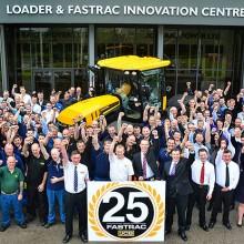 JCB celebra el 25 aniversario de su tractor Fastrac