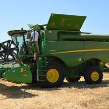 John Deere muestra en el campo sus nuevas cosechadoras