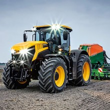 JCB presenta los nuevos modelos del Fastrac 8000