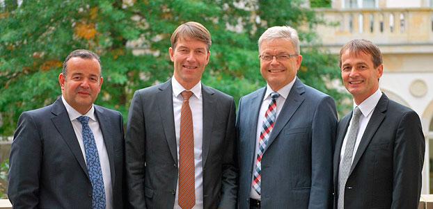 Nuevos miembros del Consejo y Dirección ejecutiva de la Asociación de Maquinaria Agrícola de la VDMA (Sociedad Alemana de Ingeniería Mecánica): (desde la izquierda) Anthony van der Ley, el nuevo presidente electo Christian Dreyer, el Dr. Heribert Reiter y el miembro de la dirección ejecutiva de la VDMA, Dr. Bernd Scherer.