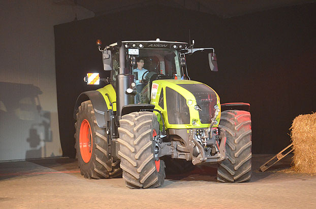 Claas-AXION-960