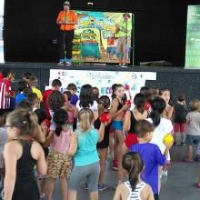 Más de 800 niños participan en la campaña DisFRUTA en verano