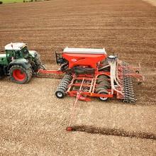 Los tractores echan el freno