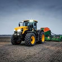 JCB muestra en Agritechnica la nueva serie Fastrac 8000