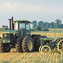 John Deere celebra 100 años fabricando tractores