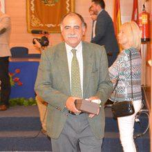 Eloy Galván recibe el homenaje del COITAC