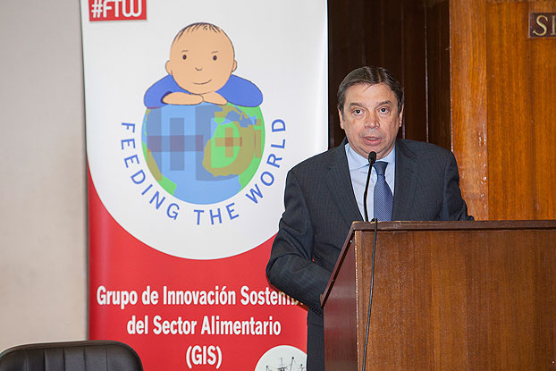 Luis Planas en Feeding The World