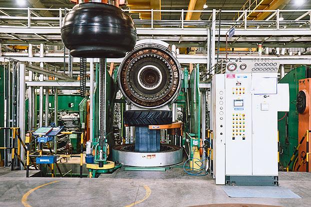 Fábrica de CEAT, que celebra su 95 aniversario