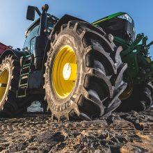 Neumáticos Vredestein, disponibles de serie en los tractores John Deere