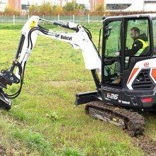 Bobcat presenta su nueva desbrozadora de martillos con nivelación automática