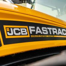 JCB celebra su récord mundial de velocidad con una edición especial del Fastrac