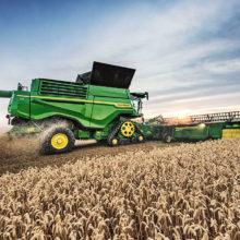 Nueva cosechadora X9 y plataforma Draper de John Deere