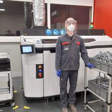 Massey Ferguson usa sus impresoras 3D para proporcionar pantallas faciales de protección al personal sanitario