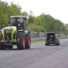 Un tractor Xerion de CLAAS en el circuito de Nürburgring