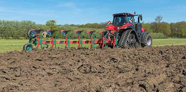 Kverneland muestra los beneficios del arado en el laboreo